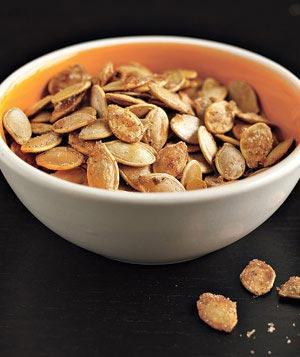 Blog_post_clean_halloween_treats_pumpkin-seeds